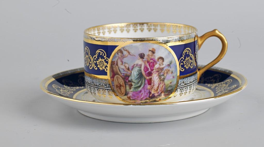 6-Fincan takımı-Fransız-19-yüzyıl-Porselen-Topkapı-Sarayı-Müzesi-265572